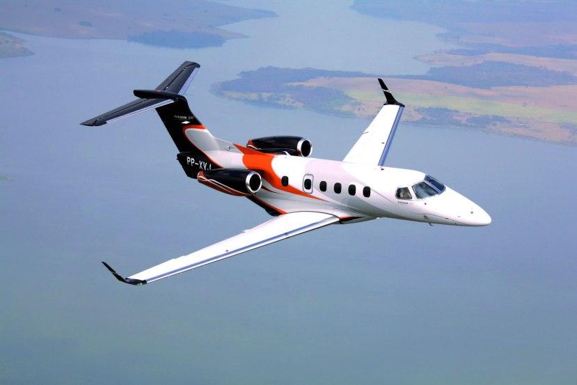 Embraer_Phenom_300