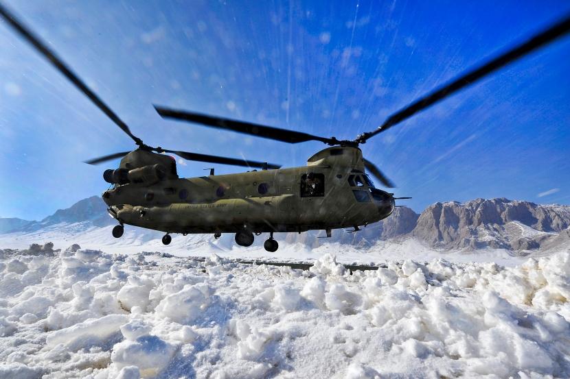 Chinook landing in Zabul province