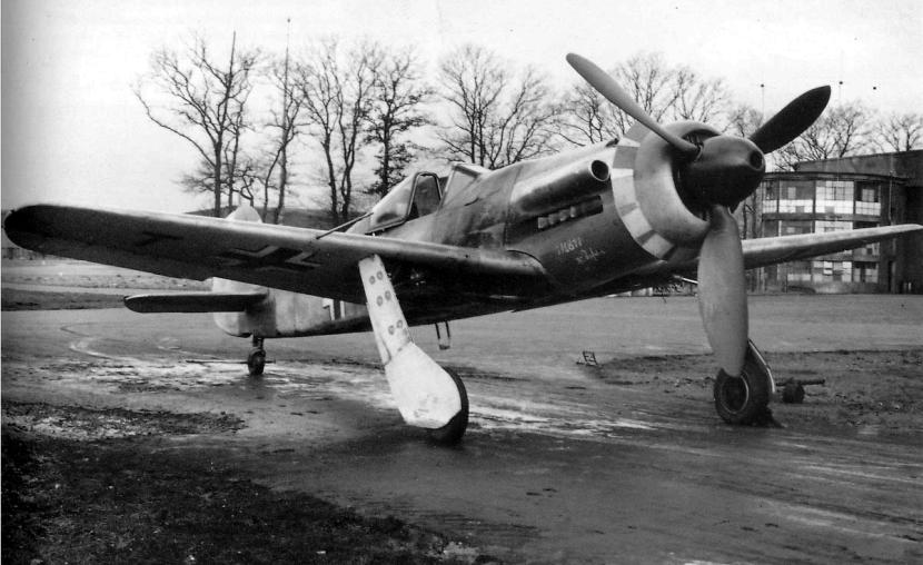 focke-wulf-ta-152-h-1-fighter-01