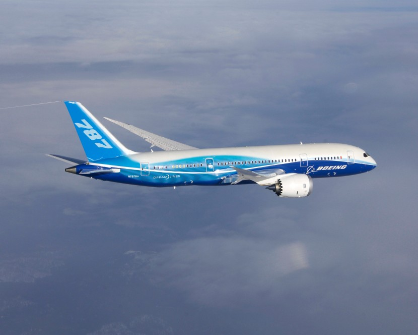 First 787 Flight Test Aerial Photos FA251253 K64839-01
