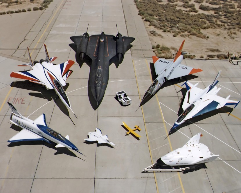 Collection_of_military_aircraft