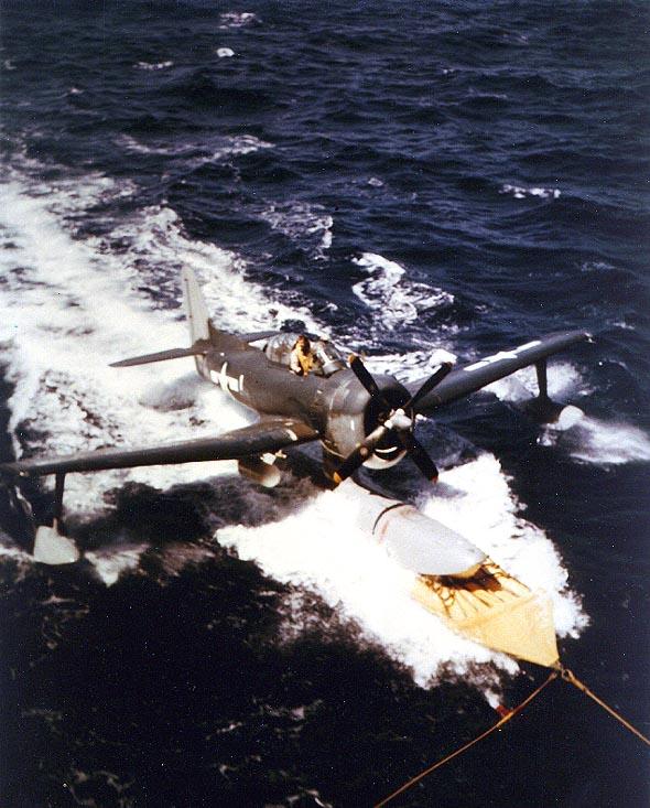 USS_Alaska_(CB-1)_recovering_SC-1_recce_plane