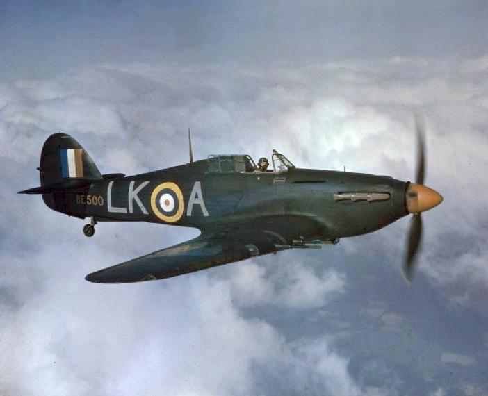 Hurricane_IIC_87_Sqn_RAF_in_flight_1942