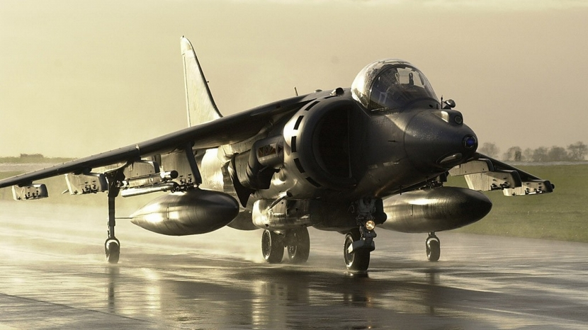 military_fighter_jet_sea_harrier_3840x2160_wallpaper_Wallpaper_3840x2160_www.wallpaperswa.com