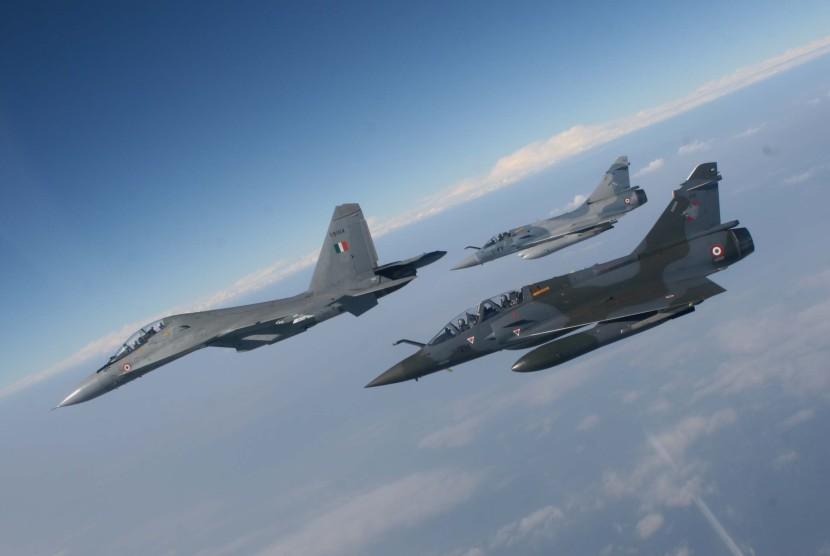air-france-sukhoi-su-30-multipurpose-fighter-dassault-mirage-2000-dassault-mirage-french