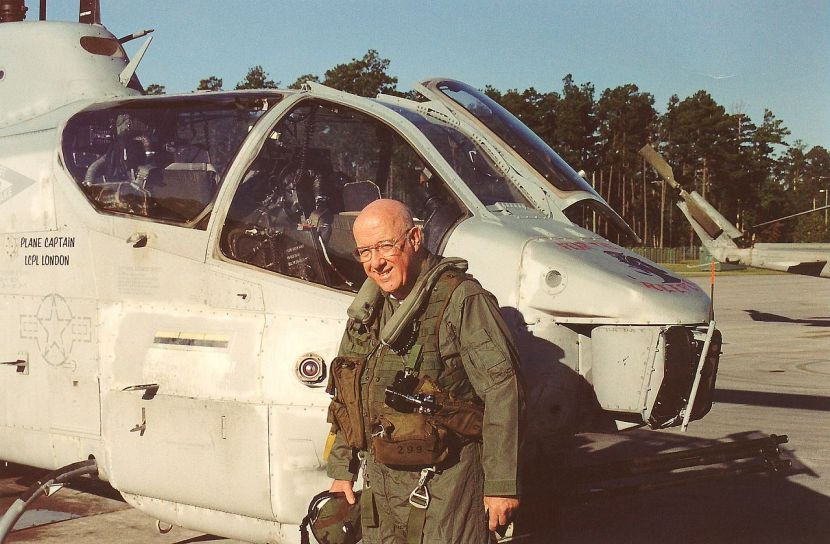 1280px-Robert_F._Dorr_AH-1W_Oct_2003.jpg