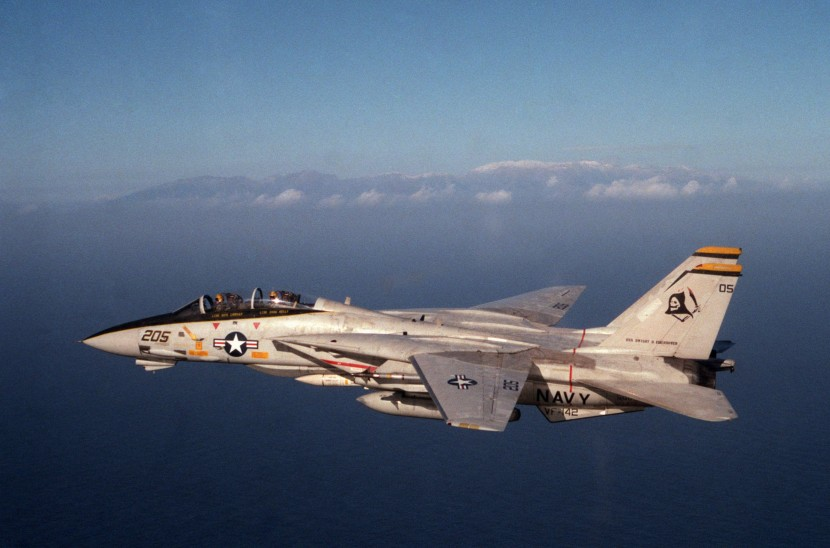 F-14A_VF-142_Ghostriders_Jan_1985