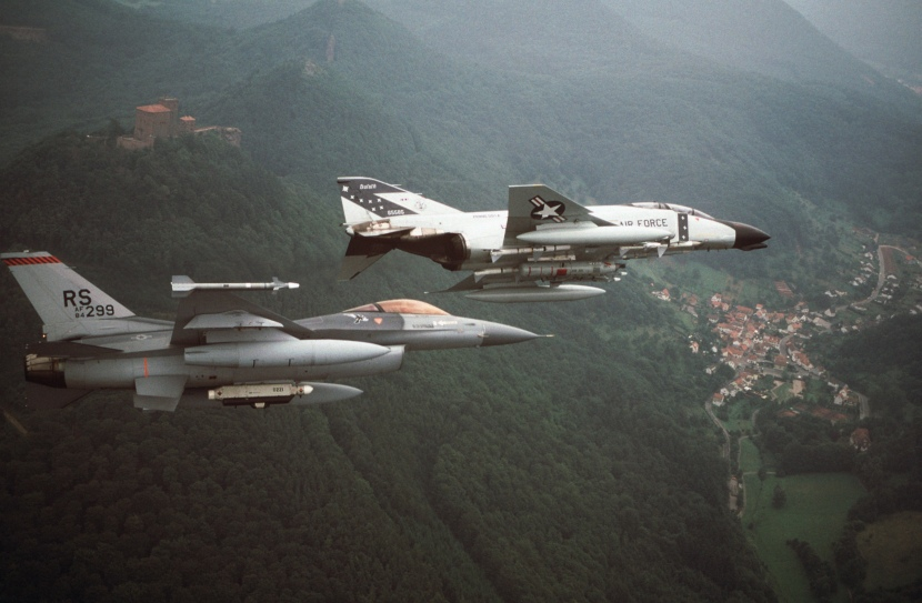F-16C_86th_TFW_F-4D_148th_FG_in_flight_over_Germany_1987