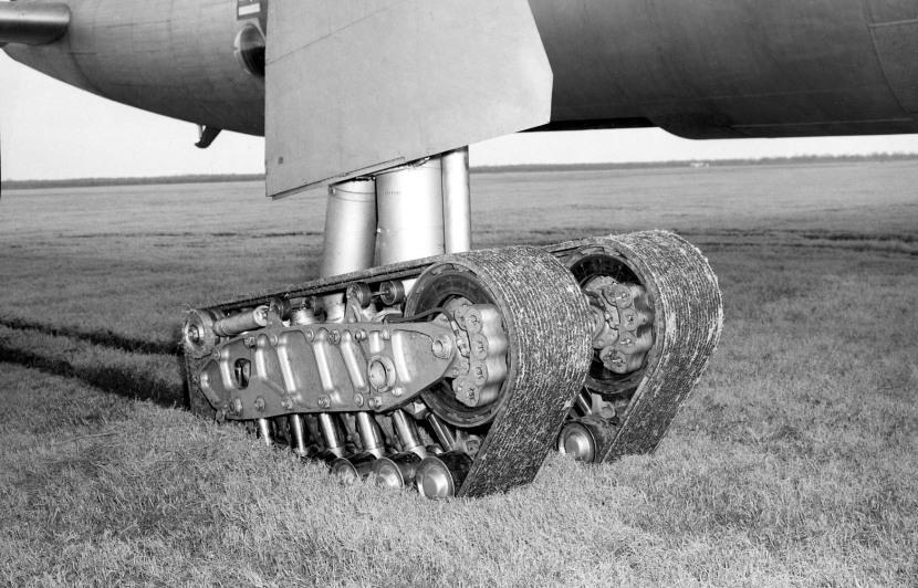 B-36 tracked main gear