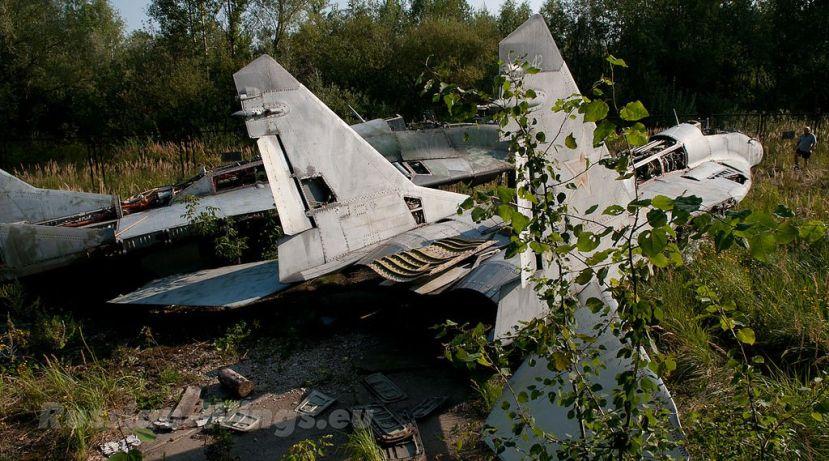 mig-29-graveyard-dolgoye-ledovo-moscow
