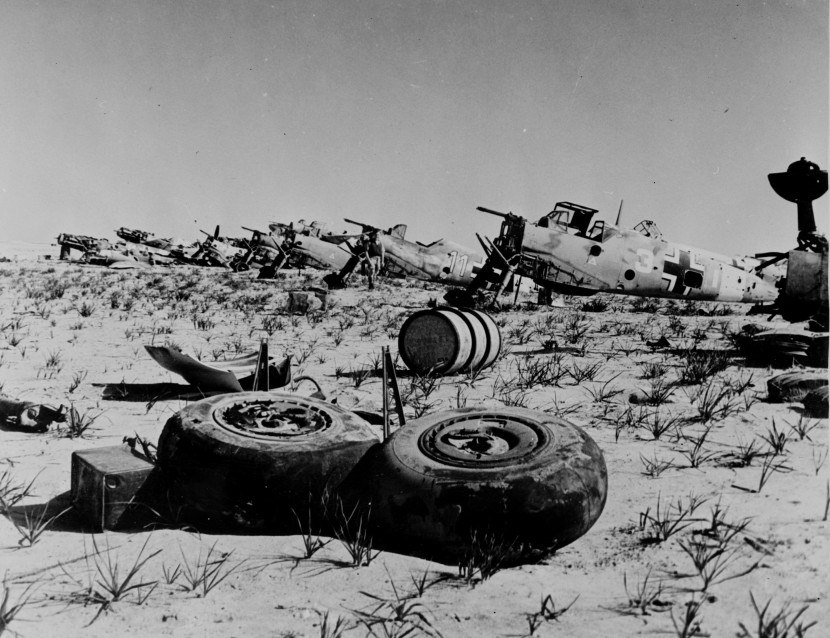 Bf109_wrecks_North_Africa.jpg