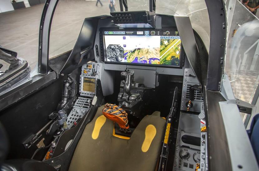 Gripen-NG-Mockup-cockpit.jpg