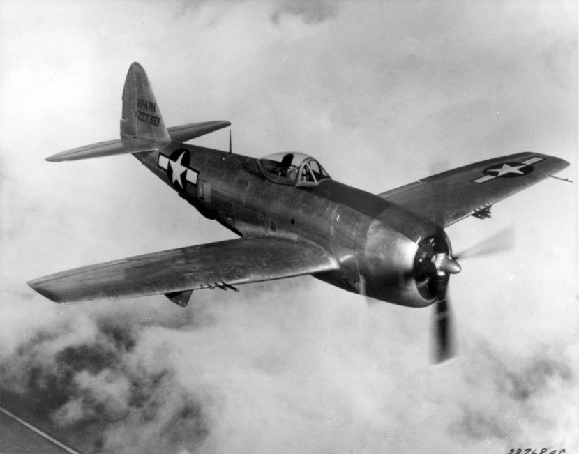 Republic_P-47N_Thunderbolt_in_flight.jpg
