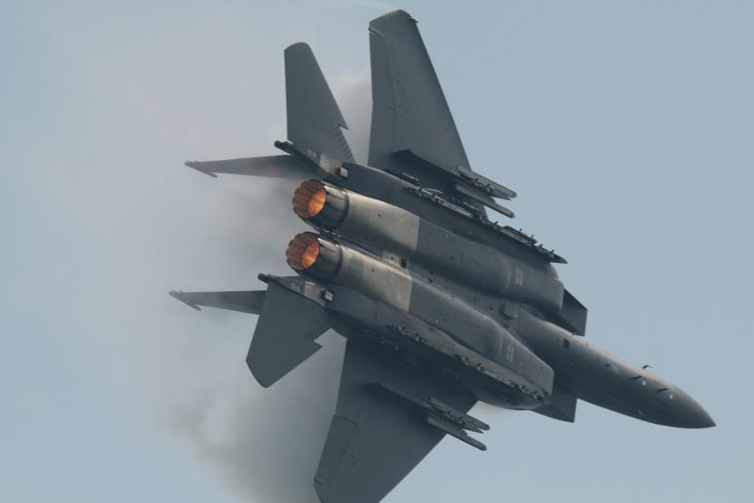 RSAF_McDonnell_Douglas_F-15SG_Strike_Eagle_(6900911225).jpg