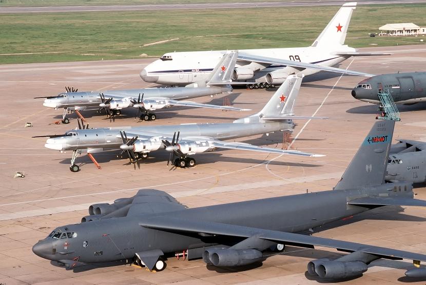 B-52_&_Tu-95-1.jpg