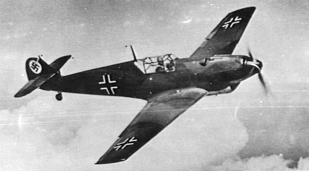 Messerschmitt_Bf_109B-2_in_flight_c1938.jpg