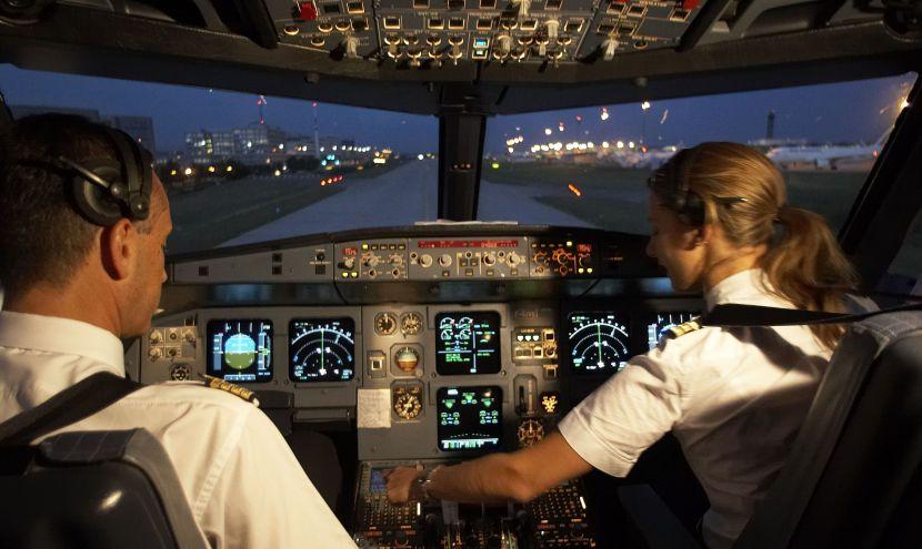 pilote_dans_cockpit_a320_011.jpg