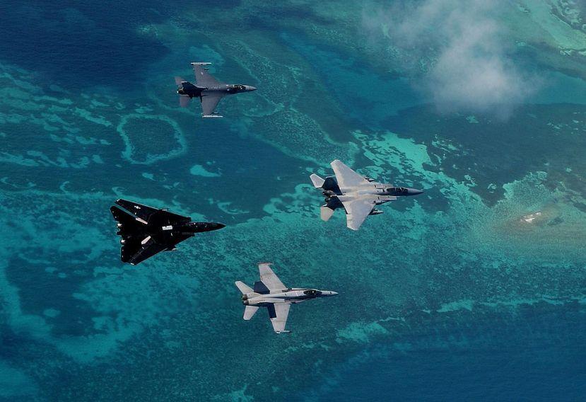 1024px-F-15C_159_FW,_F-16C_169_FW,_FA-18C_VFA-131,_F-14D_VX-4_Cope_Snapper_(021023-F-XC395-013).jpeg