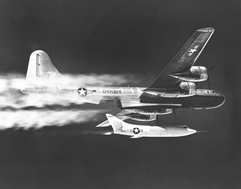 D-558-2_Dropped_from_B-29_Mothership_-_GPN-2000-000251.jpg