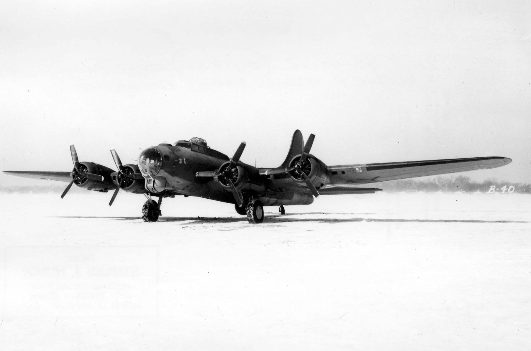 Boeing-Lockheed_Vega_B-40.jpg