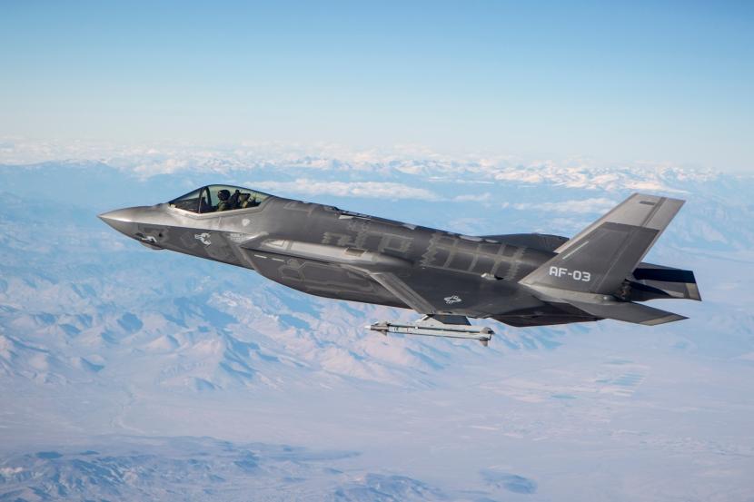 "AF-3, Flt 230, Major Andrew ""Stone"" Rollins, Tanking for First T"