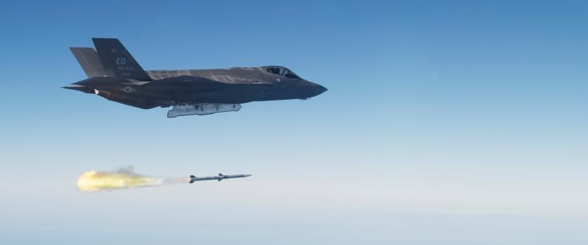 AIM-120 201.jpg