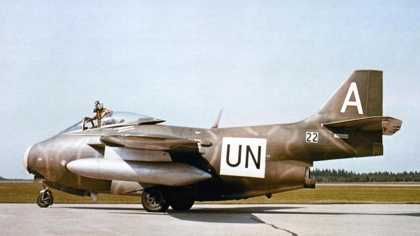j-29-tunnan-in-un-service.jpg