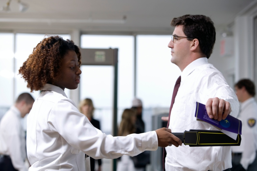 10-Tips-for-Getting-Through-Airport-Security-Fast-and-Efficiently.jpg