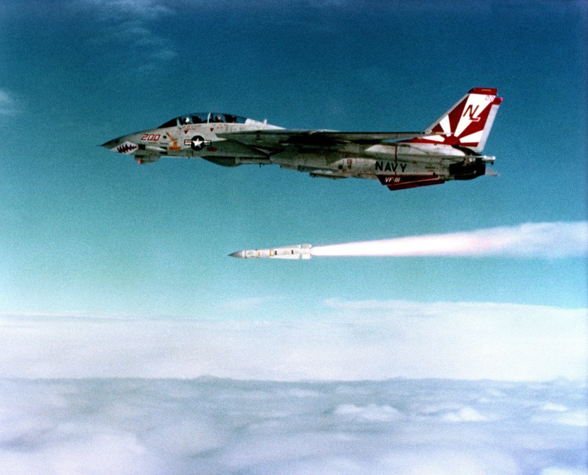 F-14_VF-111_launching_Phoenix_1991.jpg
