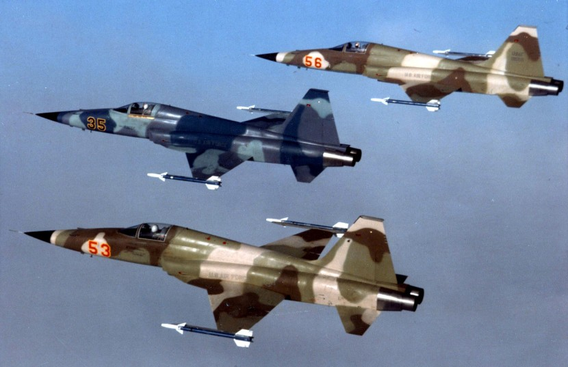 Three_F-5E_agressors_from_Alconbury_1983.jpg