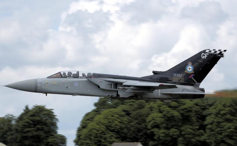 Tornado_f3_ze887_kemble_arp.jpg