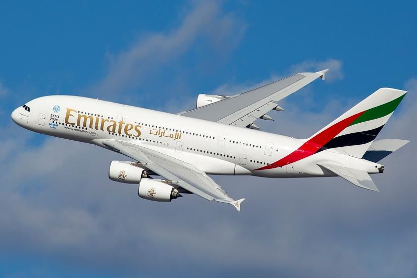 A6-EDY_A380_Emirates_31_jan_2013_jfk_(8442269364)_(cropped).jpg