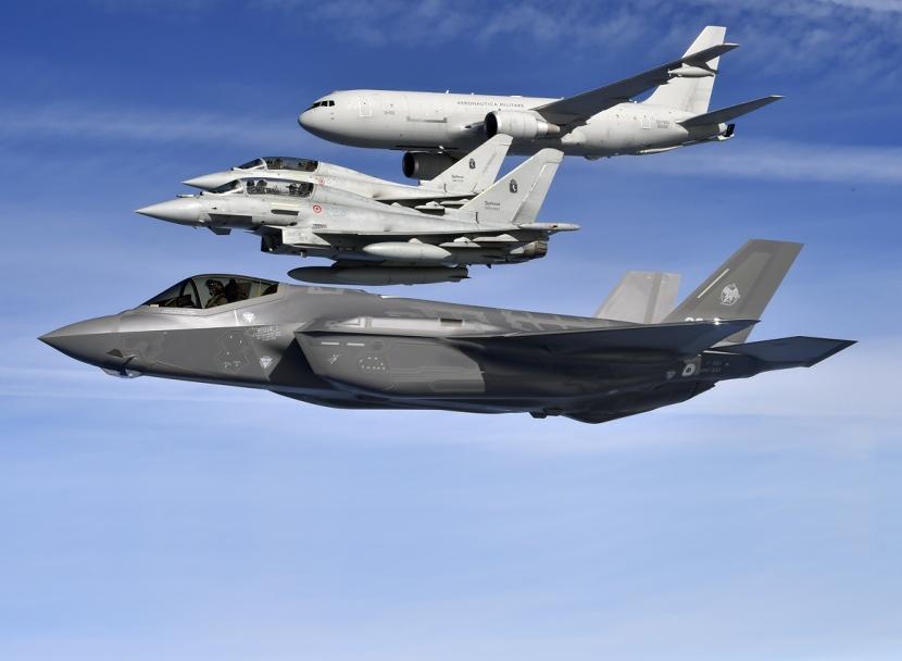 1-F-35-EFA-KC-767-Aeronautica-Militare-Trasvolata.jpg
