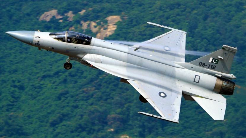 jf-17_thunder-planform_view.jpg