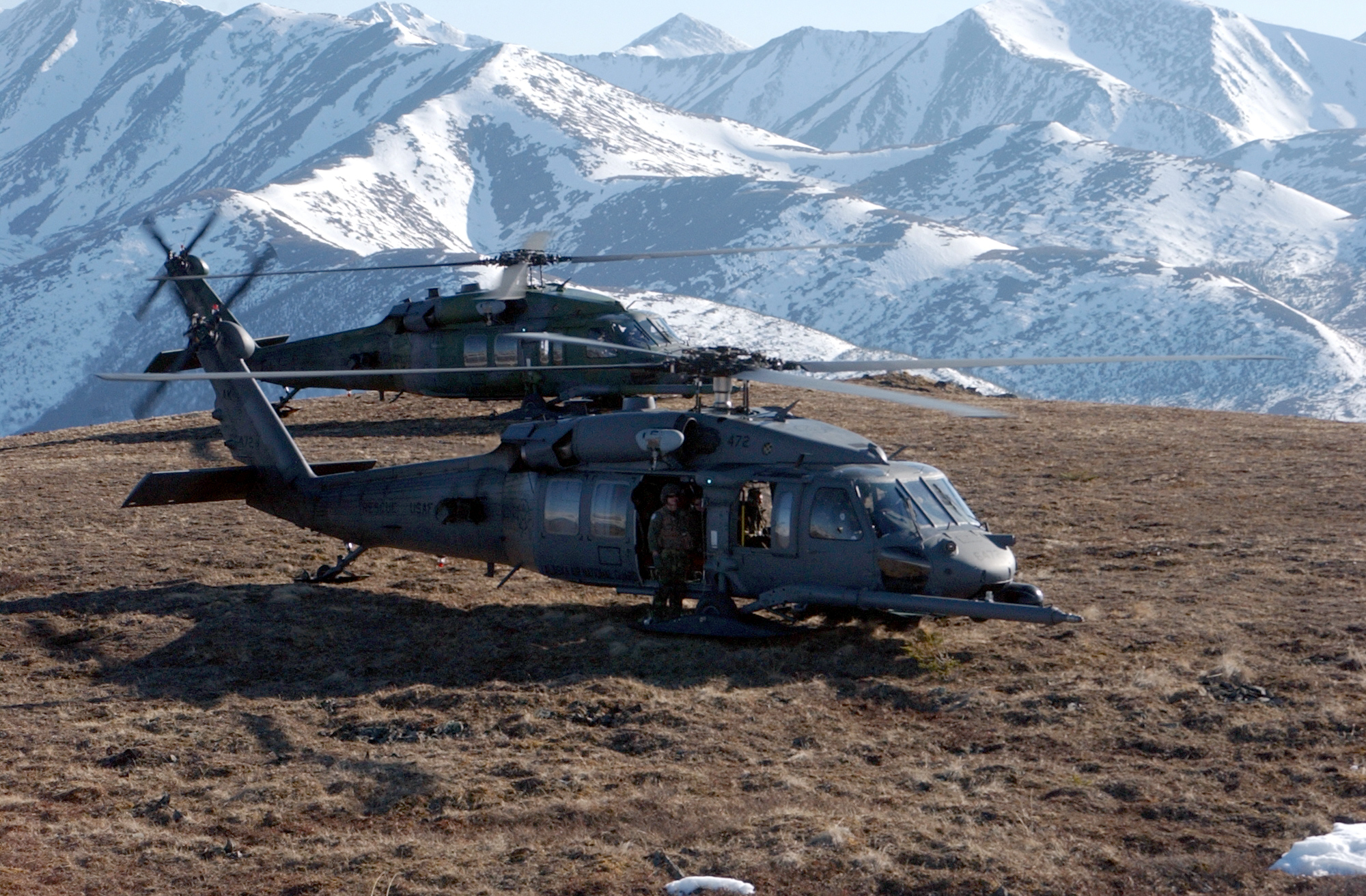 HH-60_Pavehawk_helicopters_on_a_mountain_in_Alaska.jpg
