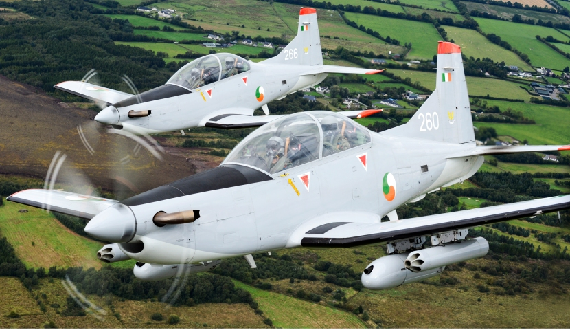 Pilatus_PC-9_of_the_Irish_Air_Corp_flying_in_formation_3.jpg