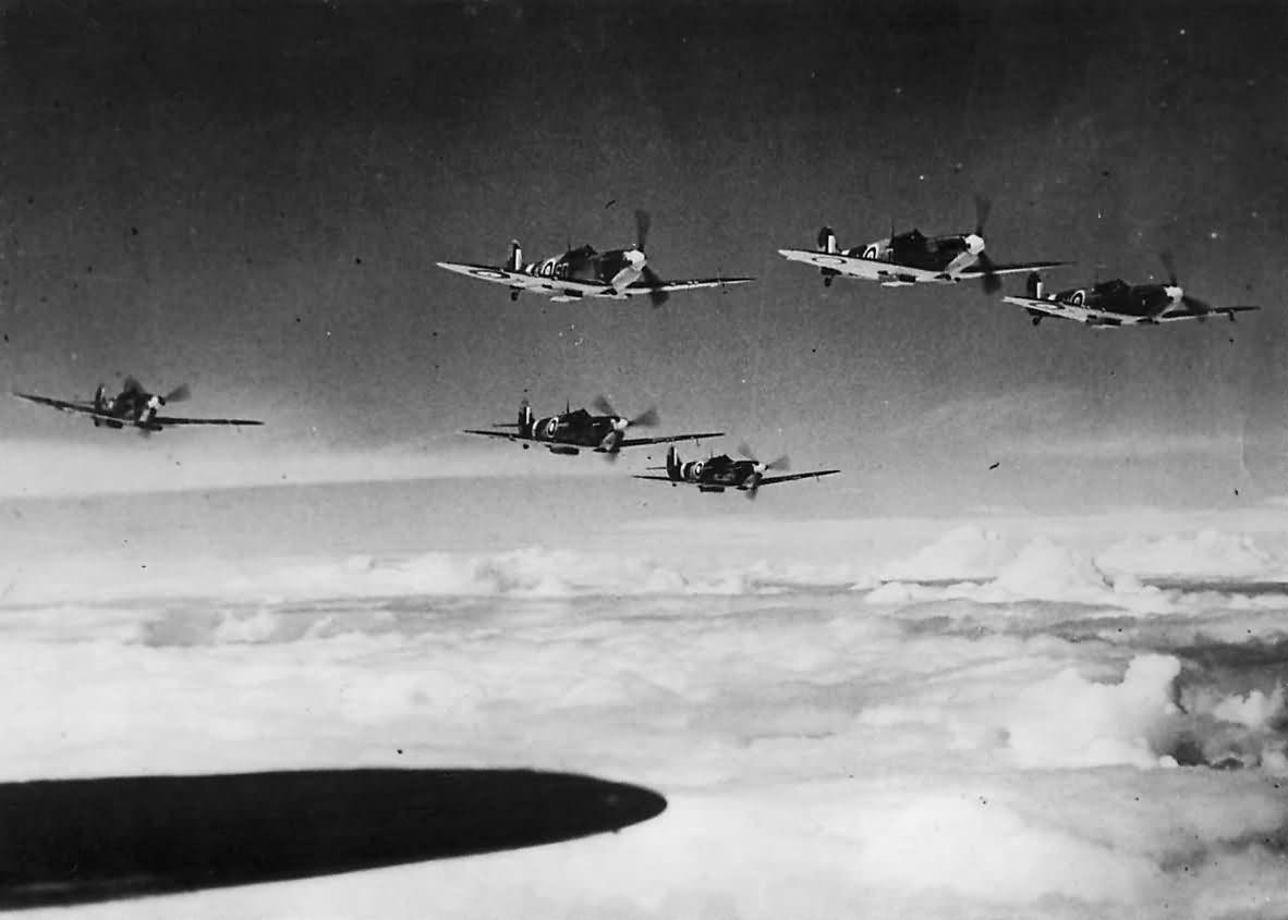 Supermarine_Spitfire_Mk_I_of_No._501_Squadron_RAF_1941