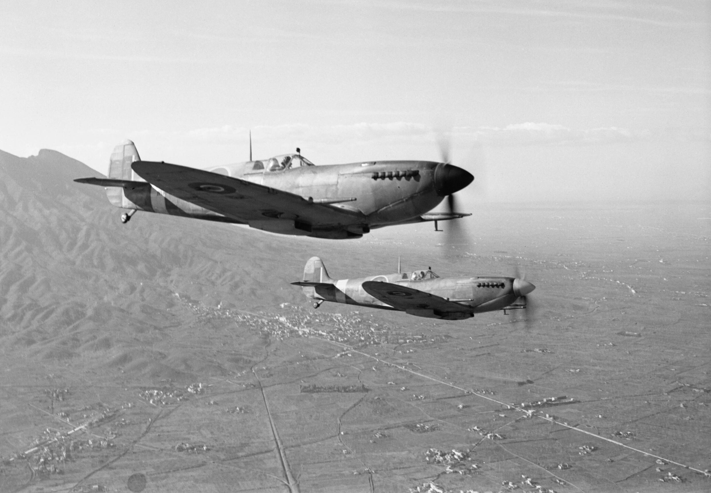 Supermarine_Spitfire_Mk_IXs_of_No._241_Squadron_RAF_return_to_their_base_at_Madna,_south-east_of_Campomarino,_Italy,_after_a_weather_reconnaissance_sortie_over_the_Anzio_beachhead,_29_January_1944._CNA2499.jpg