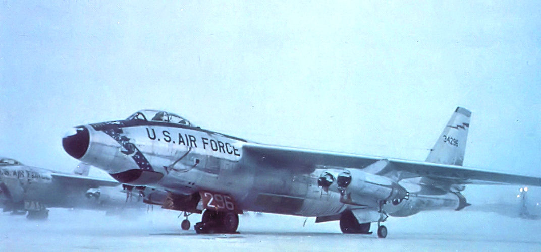 55th_Strategic_Reconnaissance_Wing_-_Boeing_RB-47H-1-BW_Stratojet_53-4296