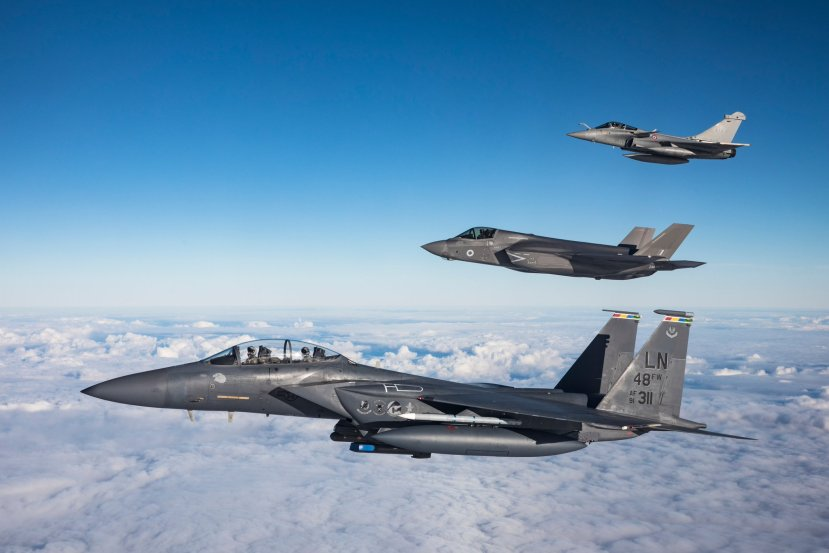 The top 10 fighter aircraft of 2018 (BVR combat) | Hush-Kit