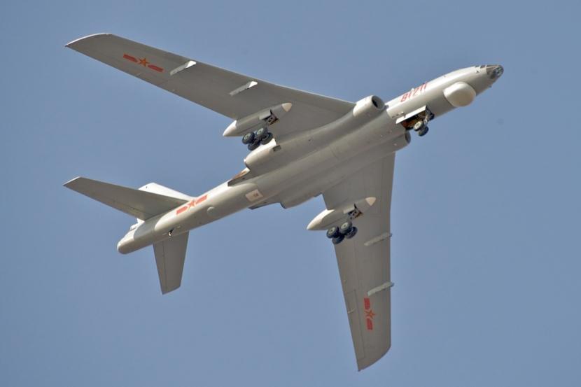 PLAAF_Xian_H-6M_Over_Changzhou.jpg