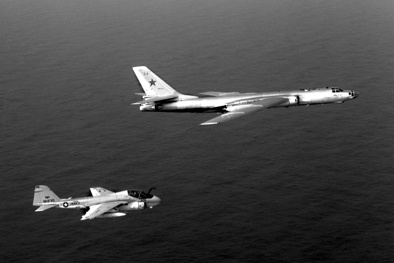A-6E_VA-95_Tu-16_1982.jpeg