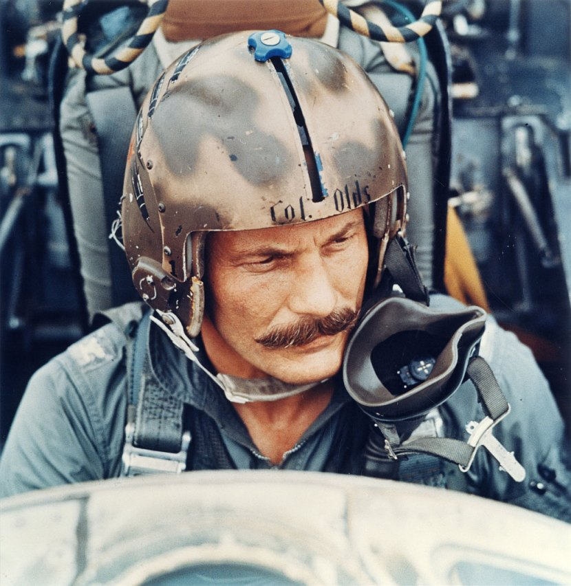 Brigadier-General-Robin-Olds-World-War-II-Ace-and-Vietnam-War-fighter-pilot.jpg