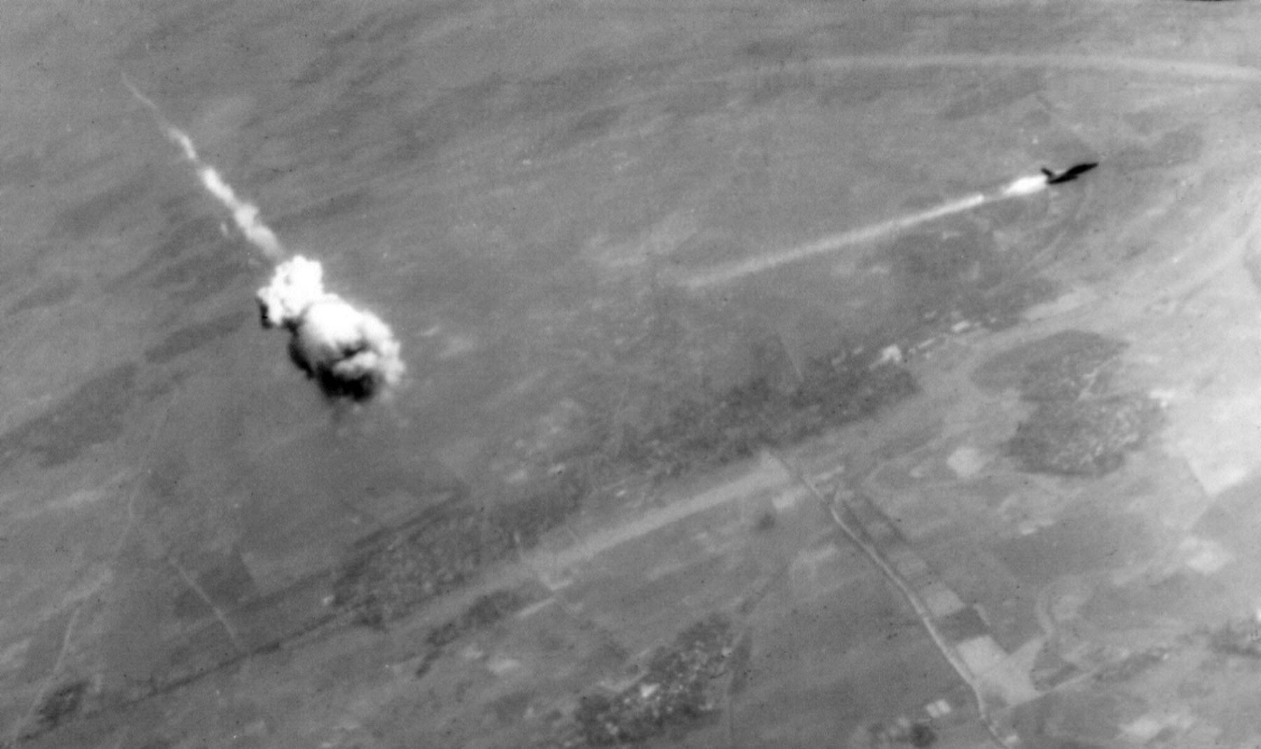 F-105_hit_by_SA-2_over_Vietnam.jpg