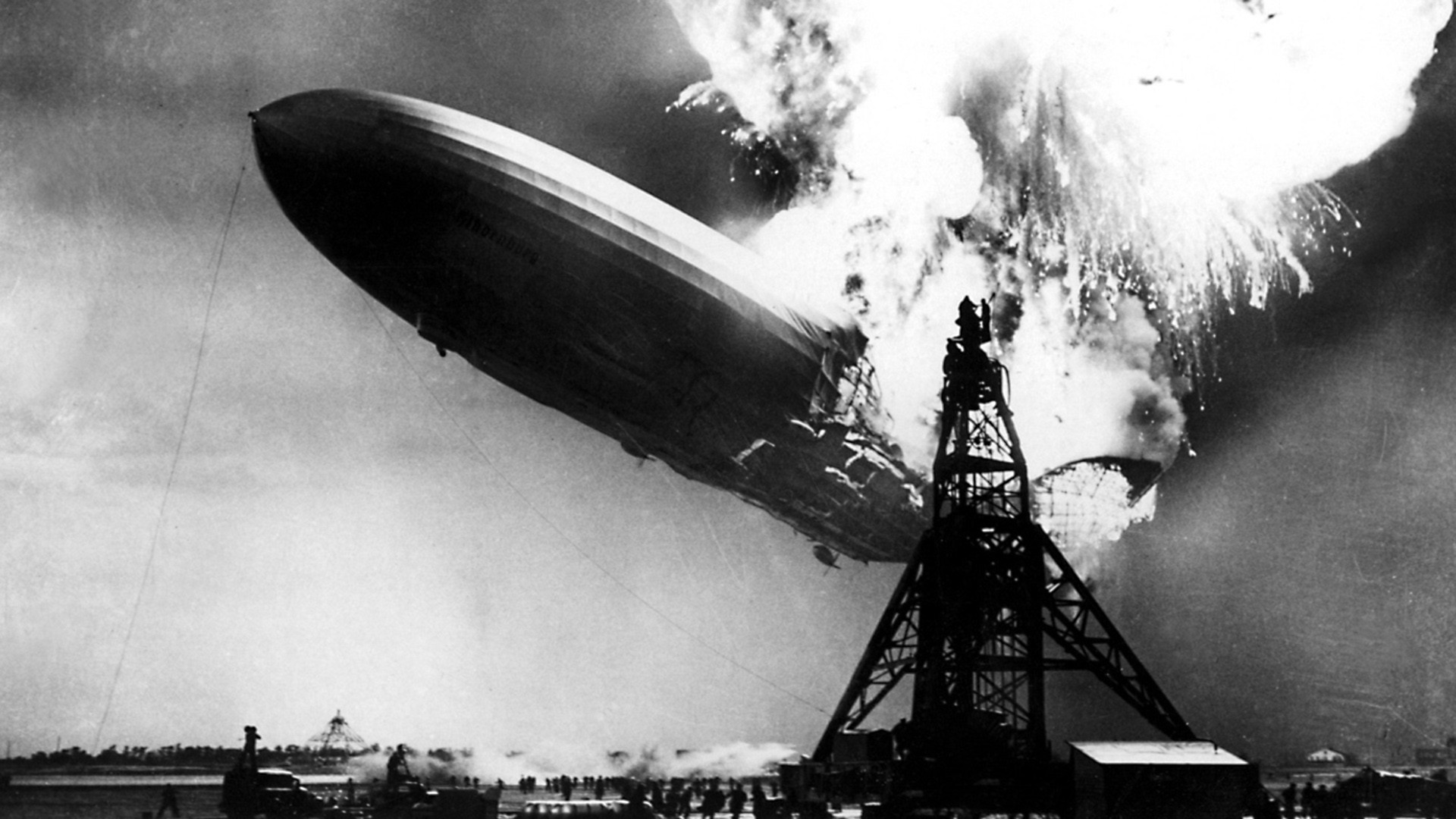 364881-zeppelin.jpg