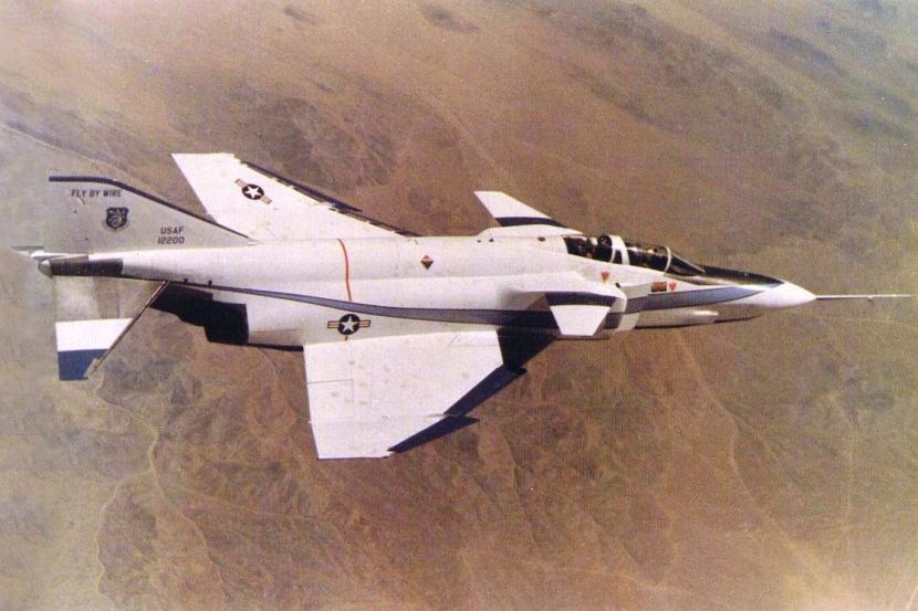 McDonnell-Douglas-YF-4E-CCV.jpg