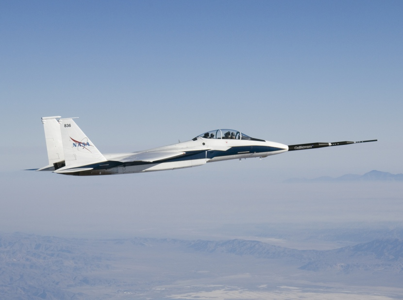 NASA_F-15B_836_with_Quiet_Spike.jpg