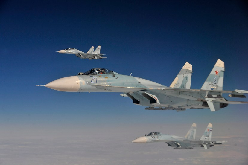 Russian_Federation_Air_Force_Su-27_aircraft_intercept_a_simulated_hijacked_aircraft_entering_Russian_airspace_Aug._27_2013_during_Exercise_Vigilant_Eagle_13_130827-F-XT249-354.jpg