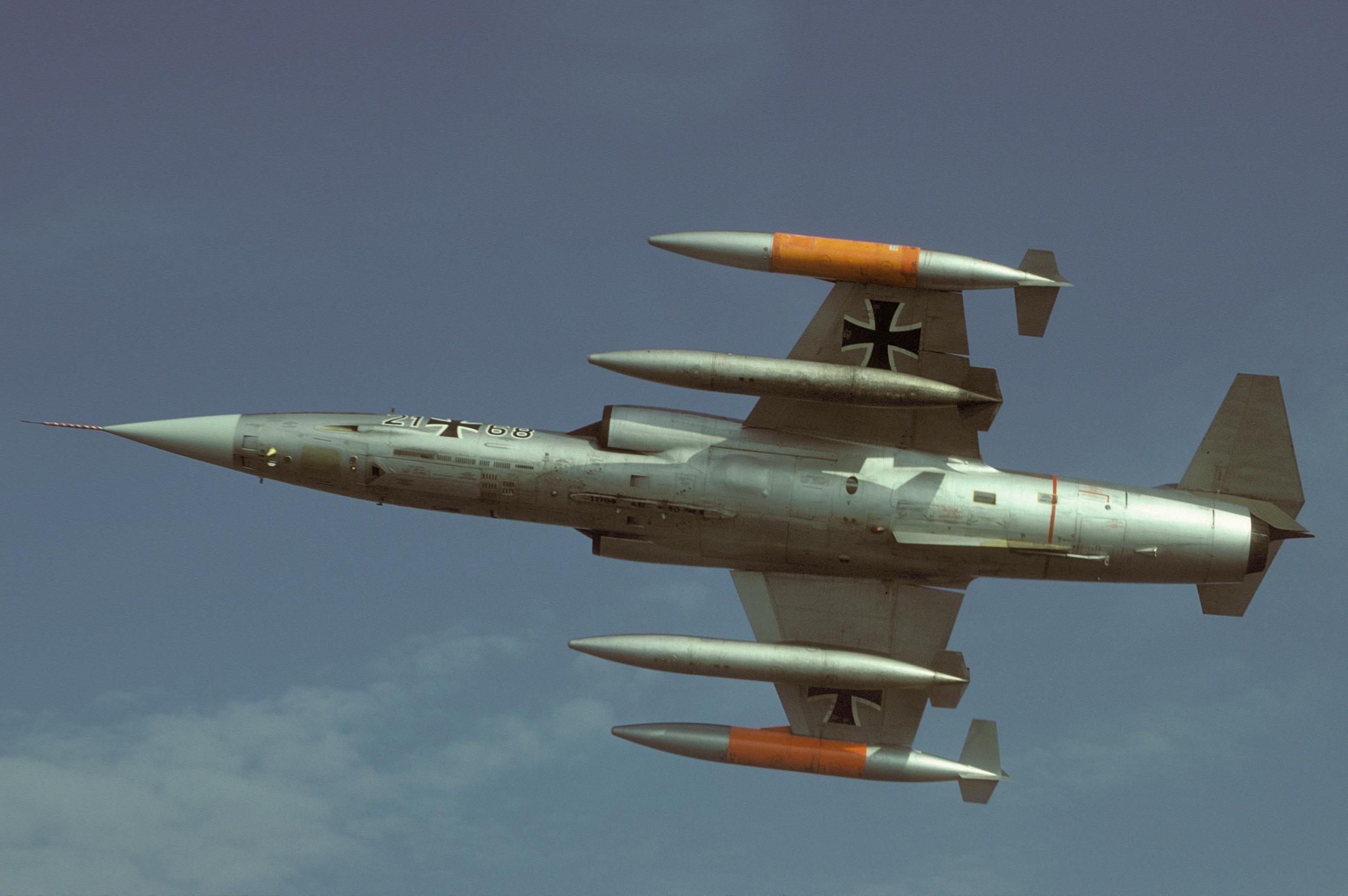 wp_21+68 F-104G JaboG 33_Schwarz.jpg