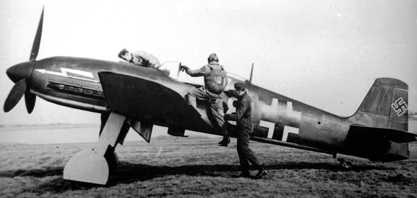Heinkel-He-100--Luftwaffe